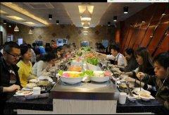 一个人吃火锅是一种什么样的体验呢